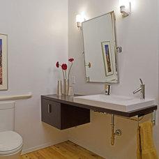 Modern Bathroom by ROM architecture studio