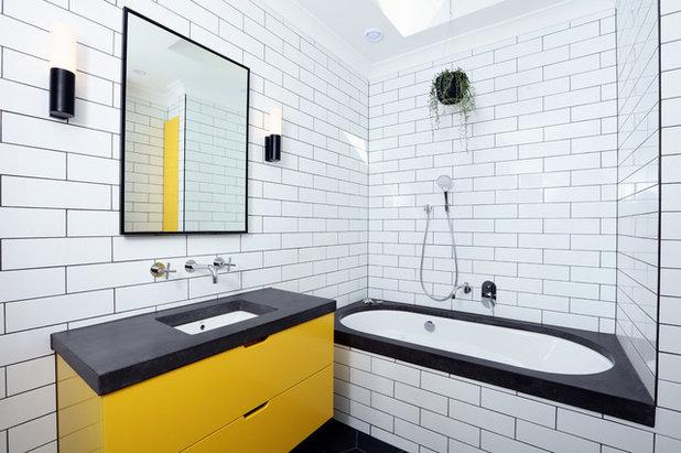 Contemporaneo Stanza da Bagno by Ultimate Kitchens & Bathrooms