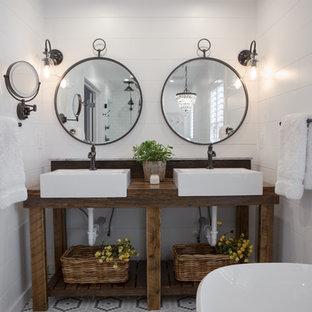 Piccola stanza da bagno in campagna foto idee arredamento - Bagno in campagna ...