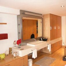 Contemporary Bathroom by Click Design & Fabricación