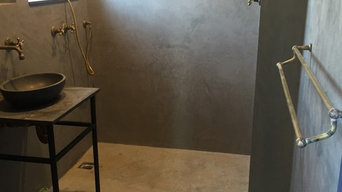 Polished plaster bathroom