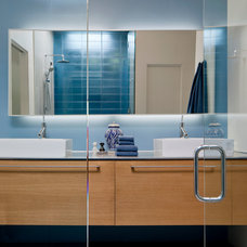 Contemporary Bathroom by Ibarra Rosano Design Architects