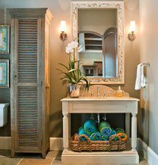 traditional bathroom by Hostetler Custom Cabinetry