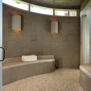 Idéer för ett modernt bastu, med mosaik och klinkergolv i småsten