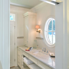 Traditional Bathroom by Innovative Construction Inc.