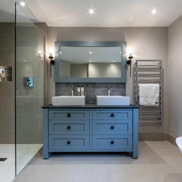 Porcelain Master En-Suite Wet Room