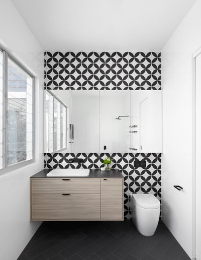 Modern Badezimmer By SmarterBATHROOMS+