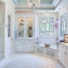 Traditional Bathroom by ibi designs
