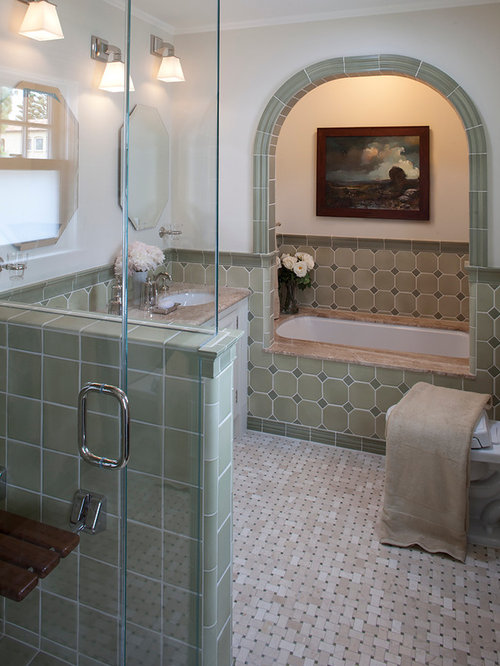 Traditional bathroom design ideas renovations photos for Bathroom alcove ideas