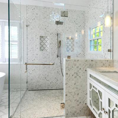 Walk-in shower - contemporary walk-in shower idea in San Francisco