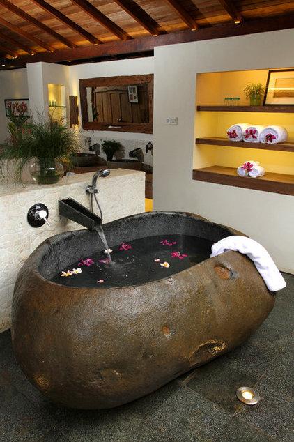 Tropical Bathroom by Iwan Sastrawiguna Interior Design