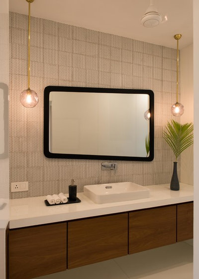 Contemporary Bathroom by loc design house