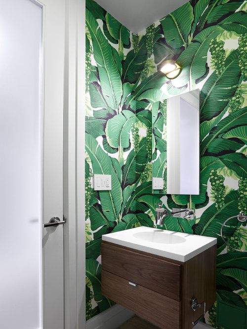 Bathroom Design Ideas, Remodels & Photos with Green Walls