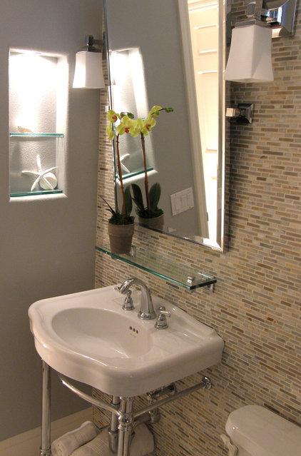 Eclectic Bathroom by Studio CG