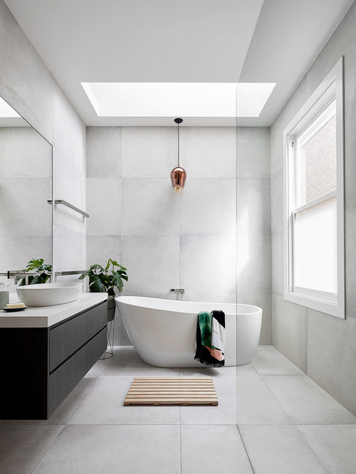 Photo Of A Mid Sized Contemporary Master Bathroom In Melbourne With Flat Panel Cabinets
