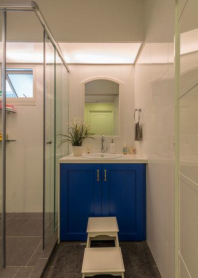 Fusion Bathroom by Aiden T