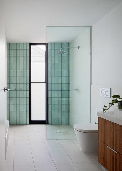 Contemporary Bathroom by Rebecca Naughtin Architect