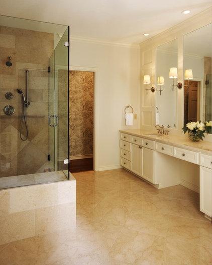 Contemporary Bathroom by Texas Construction Company