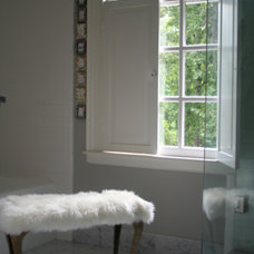 Traditional Bathroom by lynn-anne bruns