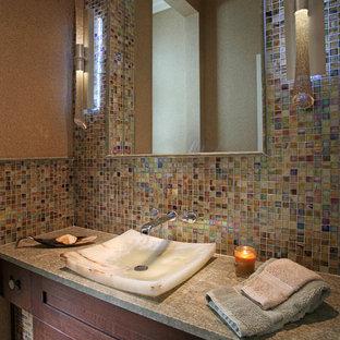 Idéer för att renovera ett vintage grå grått badrum, med ett fristående handfat, skåp i shakerstil, skåp i mörkt trä, flerfärgad kakel och glaskakel