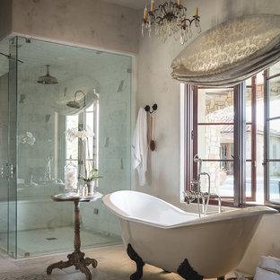 Новый формат декора квартиры: ванная комната в средиземноморском стиле с душем с распашными дверями
