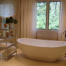 Contemporary Bathroom by Robert Holloway Associates, LLC