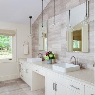 Salle de bain rétro avec un sol en travertin : Photos et idées déco ...