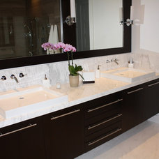 Modern Bathroom by Marmol Export USA