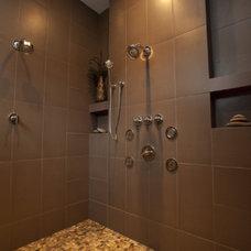 Modern Bathroom by Amelie de Gaulle Interiors