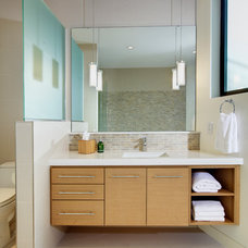 Contemporary Bathroom by studio g ARCHITECTURE