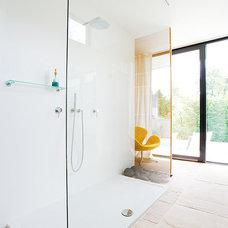Modern Bathroom by AREA Handelsgesellschaft mbH - Linz OÖ