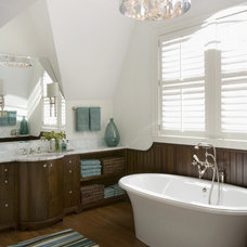 Beach Style Bathroom by Siemasko + Verbridge