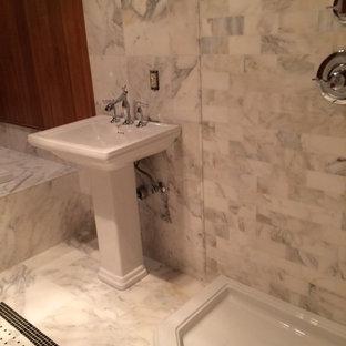 Minimalist bathroom photo in New York