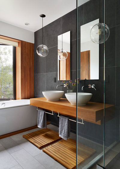 Contemporary Bathroom by Etelamaki Architecture