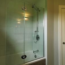 Modern Bathroom by Art House Developments