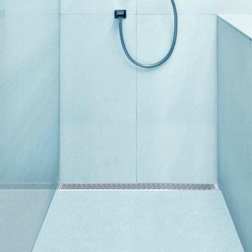 QM Linear Shower Drain