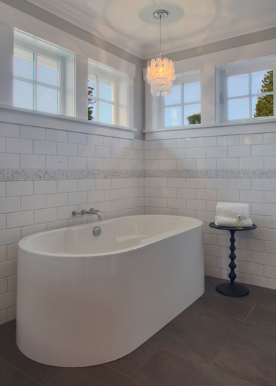 Traditional Bathroom by Richardson Homes Ltd