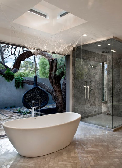 コンテンポラリー 浴室 by Northman Marble & Granite