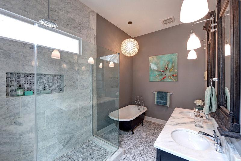 Традиционный ванная Карлом Mattison дизайна