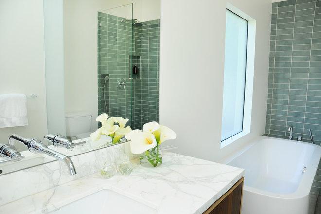 Midcentury Bathroom by Carlisle Classic Homes