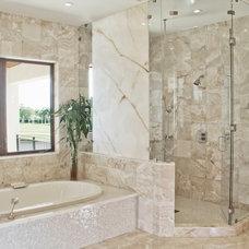 Bathroom by Hollub Homes