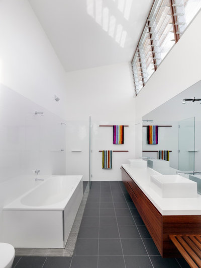 Are Vaulted Ceilings Right For Your Next Home - Contemporary bathrooms vaulted ceiling
