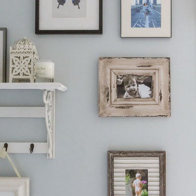 Inspiration for a shabby-chic style bathroom remodel in London