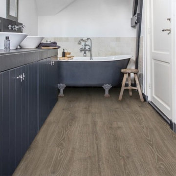 QuickStep Majestic Woodland Oak Brown Laminate Flooring, 9.5 mm