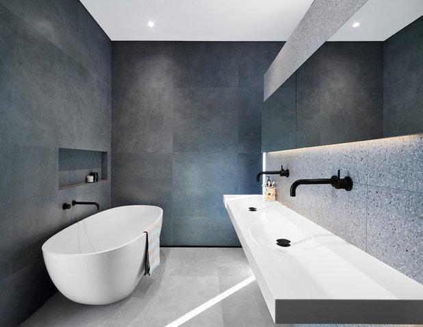 Modern Bathroom by elaine richardson architect