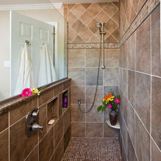 Bathroom by Harth Builders