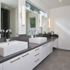 modern bathroom by GOODCHILD BUILDERS INC