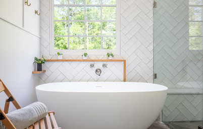 Before and After: 5 Bathroom Remodels That Free The Tub