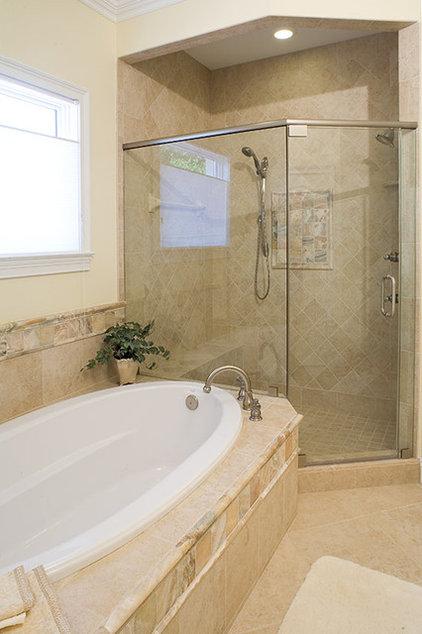 Traditional Bathroom by Ramos Design Build Corporation - Tampa