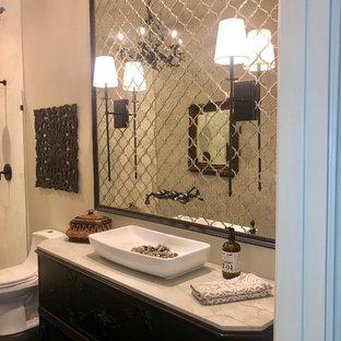 Immagine di una stanza da bagno chic di medie dimensioni con consolle stile comò, ante in legno bruno, WC monopezzo, piastrelle a specchio, lavabo rettangolare, top in quarzite, doccia aperta e top bianco